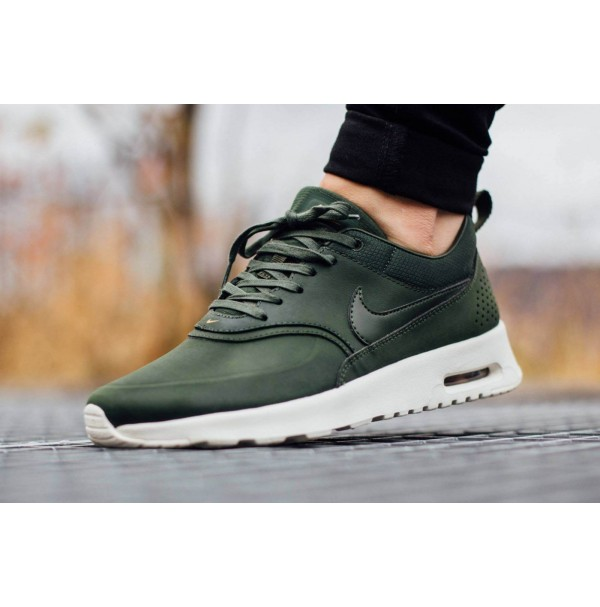 Кроссовки Nike Air Max Thea Carbon Green